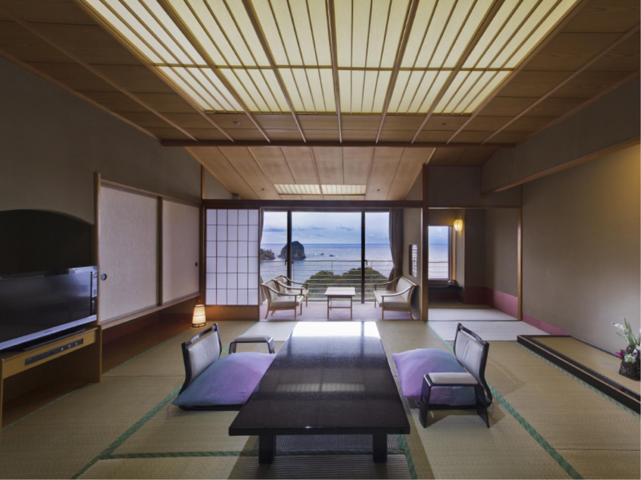 南棟14.5畳 ダイニング|14.5畳 (Upgraded Japanese-style Room (South Wing))