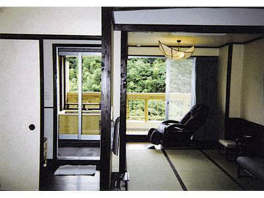 Japanese-style Room with Open-air Bath (not onsen water) - ห้องพัก