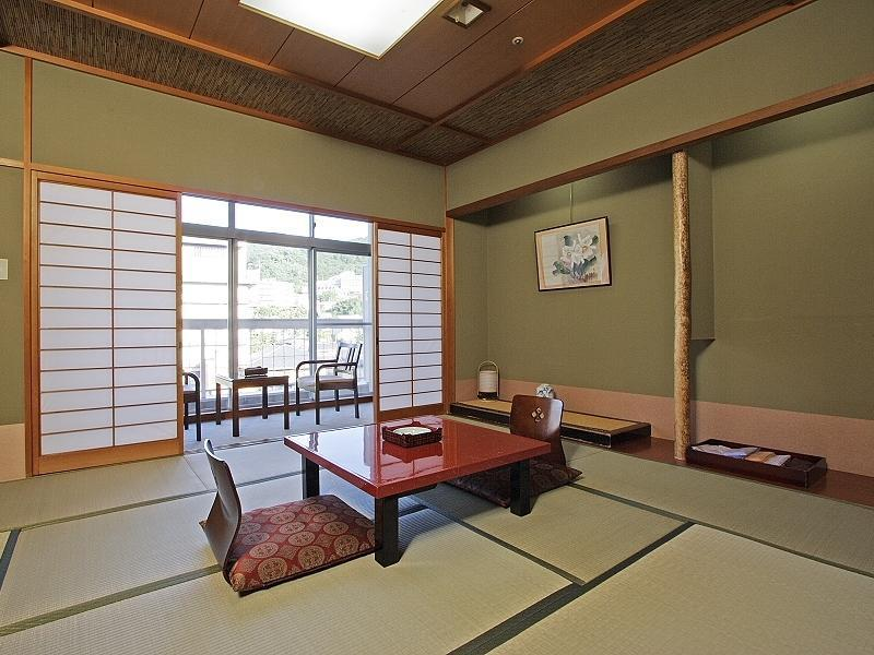 Japanese-style Room (Main Building or Annex)
