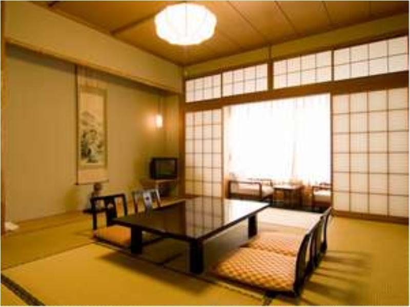和式房+寬走廊 (Japanese-style Room with Hiroen Space)