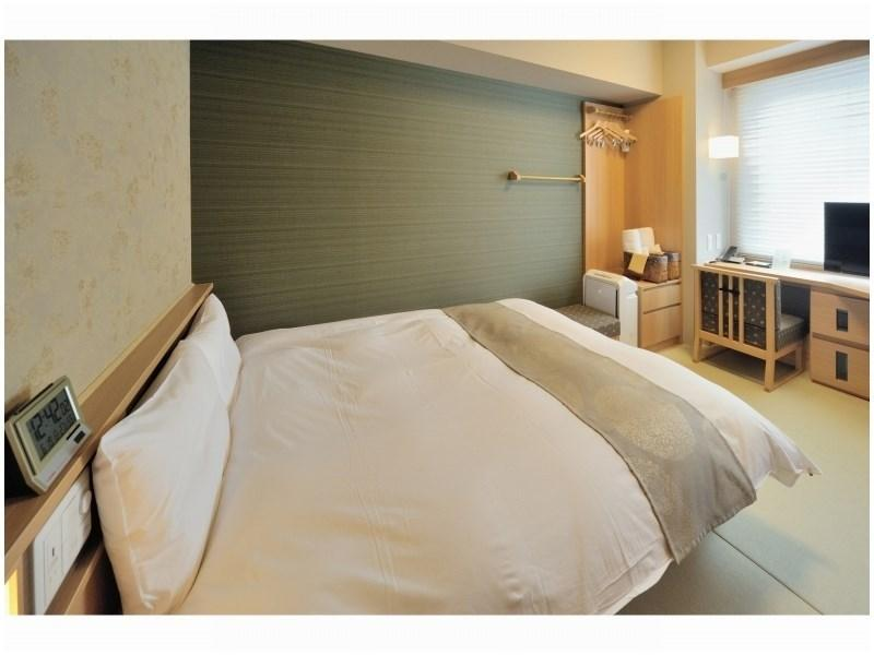 Moderate Double Room with Cypress Hot Spring Bath