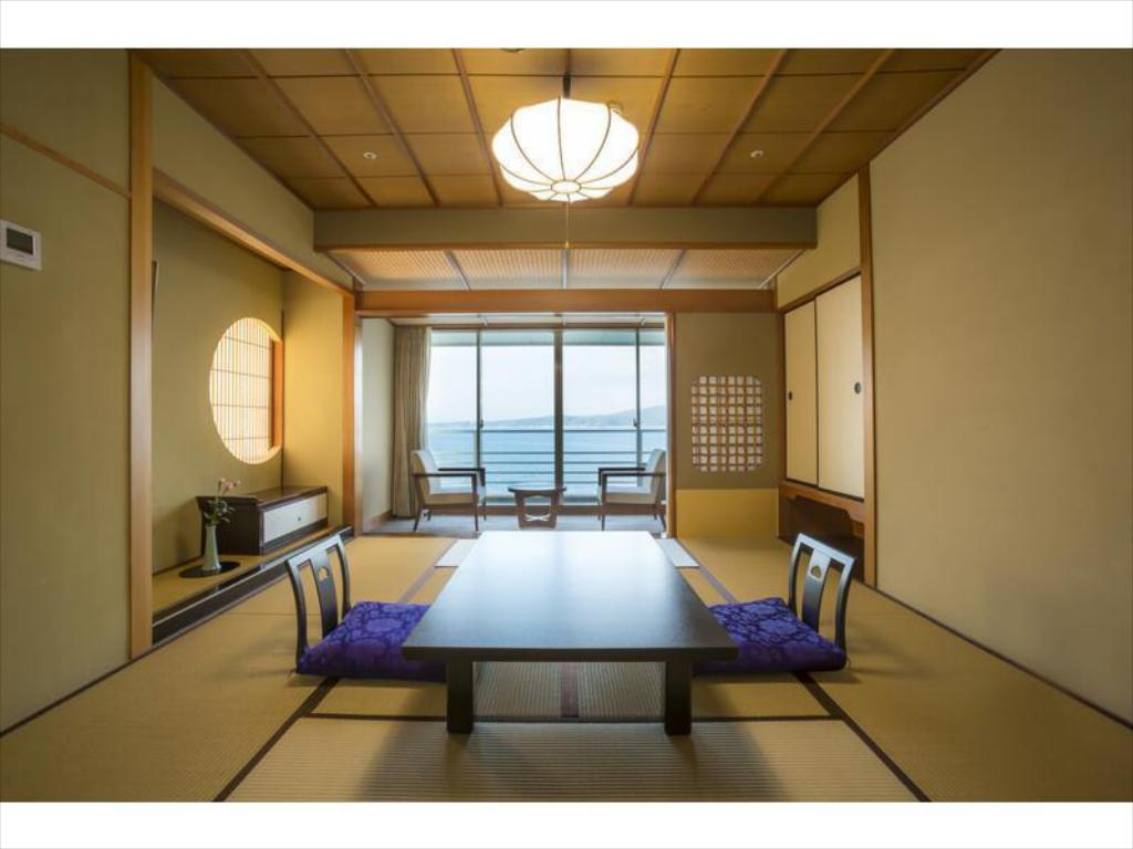 Japanese-style Room (Hakuho Tower) *Dining Area: Room/Dining Room (Allocated by hotel) - Guestroom Hotel Kaibo