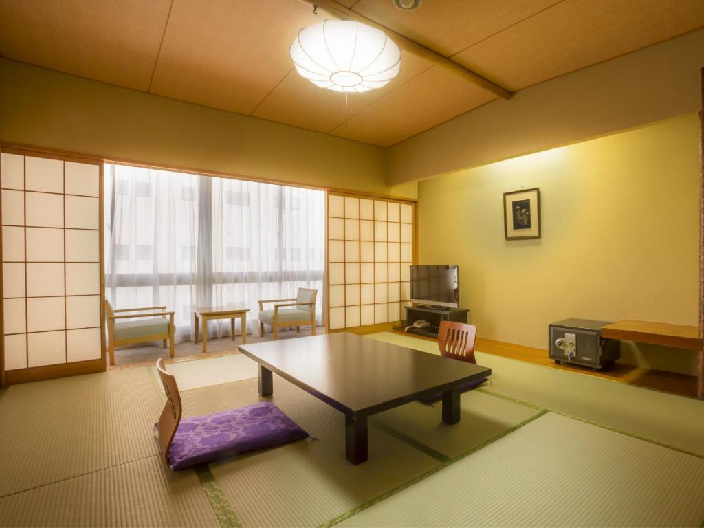 Japanese-style Room (Town Side, Main Tower) - Guestroom