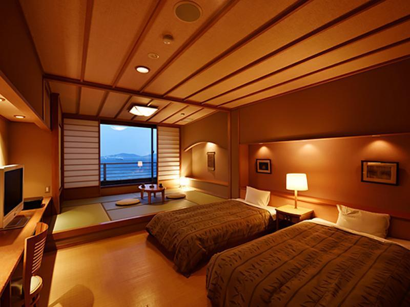 和洋式房 (Japanese/Western-style Room (2 Beds, Bettei Senei))