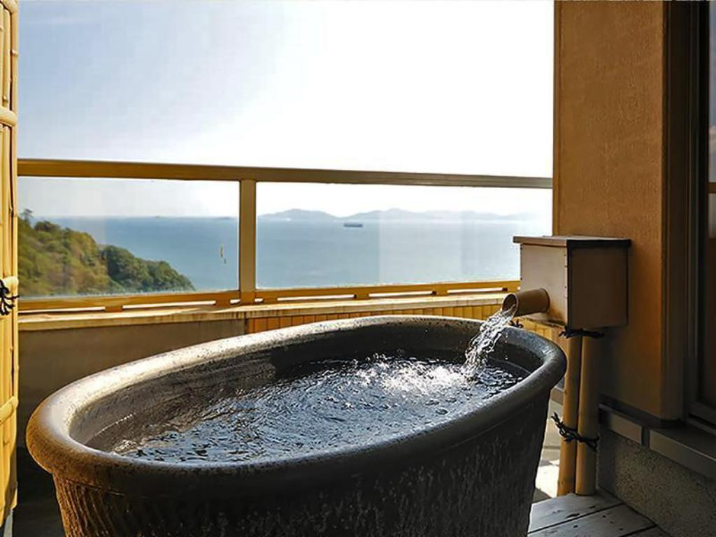Special Japanese-style Room with Open-air Bath (Bettei Senei) - Guestroom