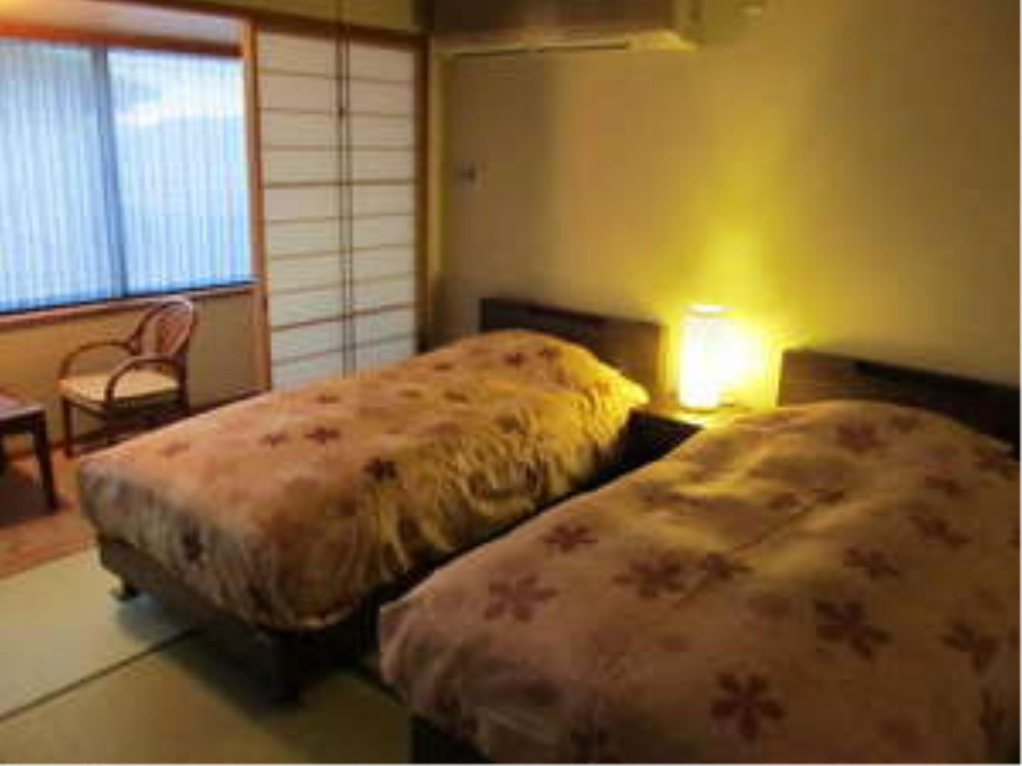 Japanese-style Corner Room (Twin Beds) *No bath in room