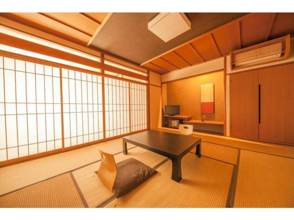 Japanese-style Room (Keikanso Wing) - Guestroom