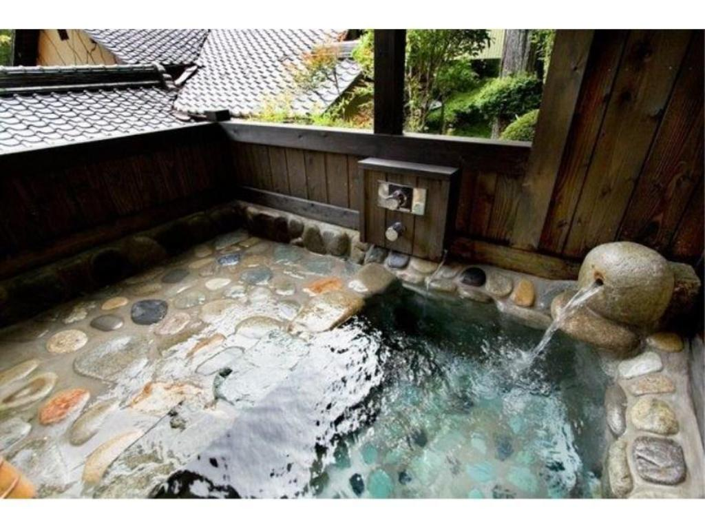 Japanese-style Room with Open-air Hot spring Bath & Indoor Bath (8 tatami + Adjoining Room + Hiroen Space) - Guestroom