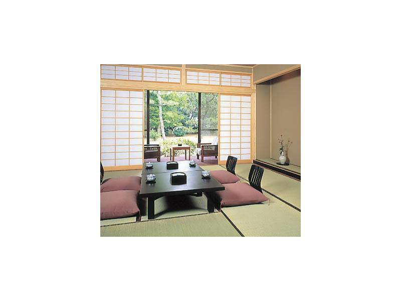 다다미 객실 (Detached Japanese-style Room with Hiroen Space (New Building))