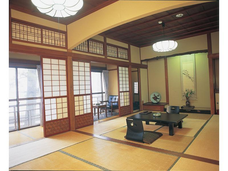 東館 和室 海側  (Japanese-style Room (East Wing))