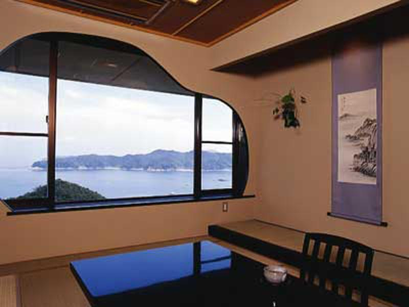 슈페리어 다다미 객실(TOBISHIMA-KAN/노천탕) (Superior Japanese-style Room with Open-air Bath (Tobishima-kan Wing))