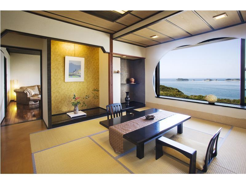 和洋式房 (Suite with Open-air Bath (2 Beds, Tobishima-kan Wing))