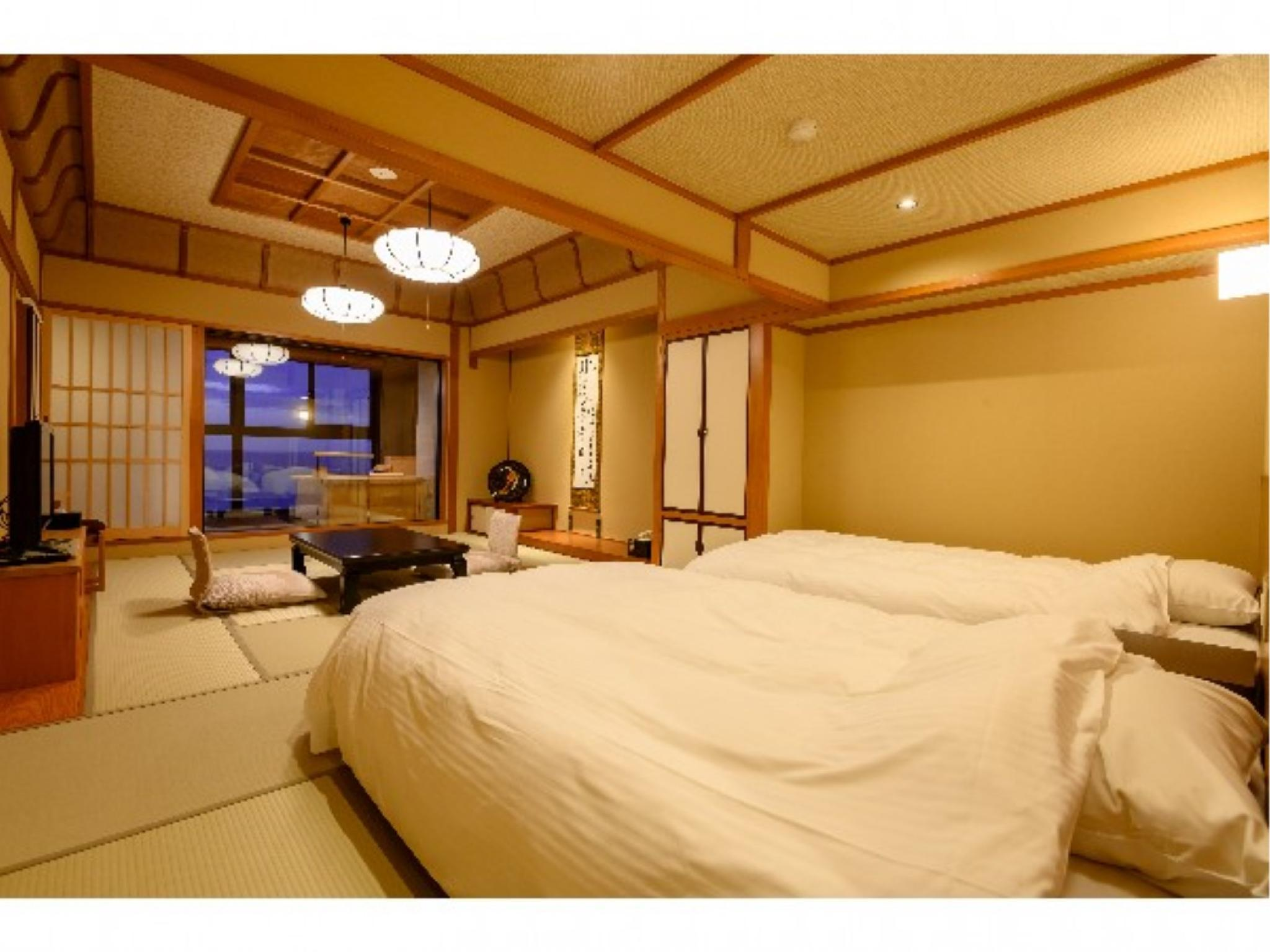 Japanese/Western-style Twin Room with Scenic View Bath