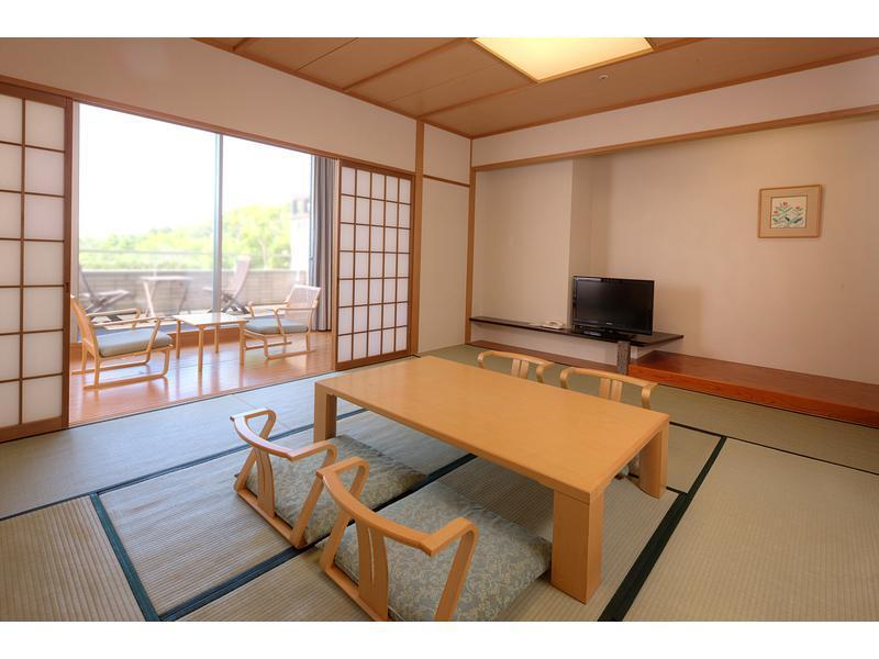 本館 和室 |10畳+踏込 (Japanese Style Room Main Building)