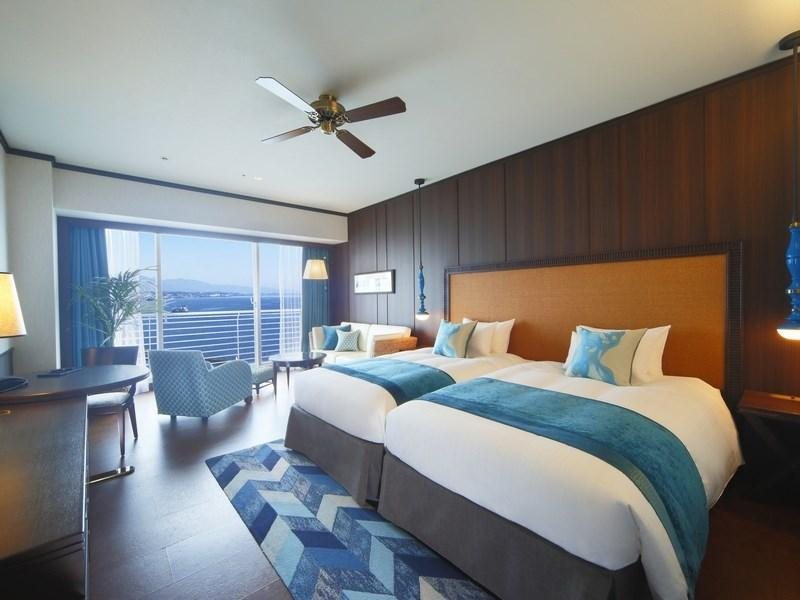Aqua Twin Room (Luxury Floor)