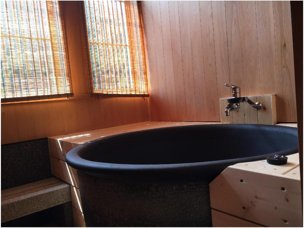 Japanese/Western-style Room with Semi Open-air Bath - Guestroom