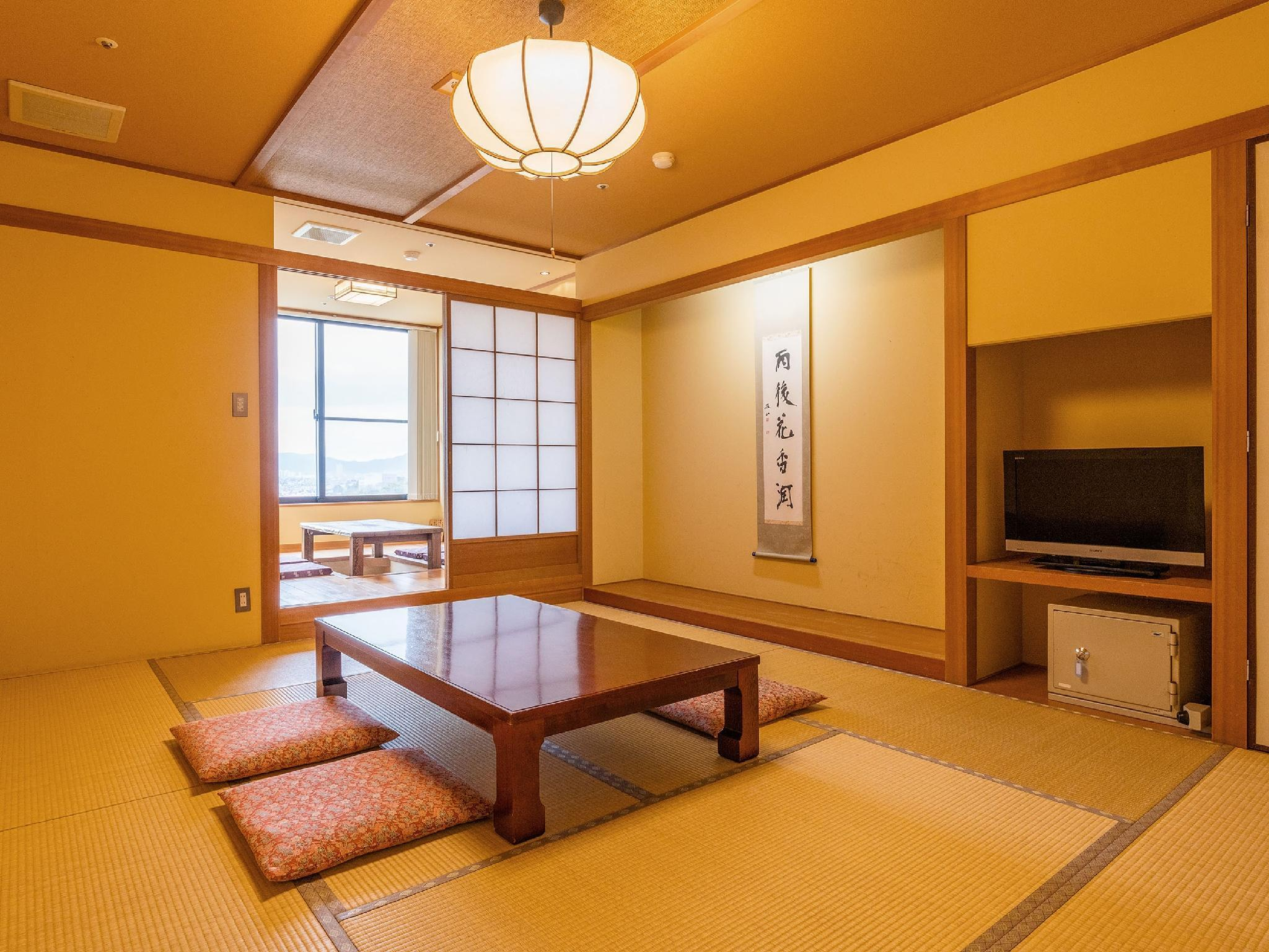 Japanese-style Room with Open-air Bath (Sanyaso Type)