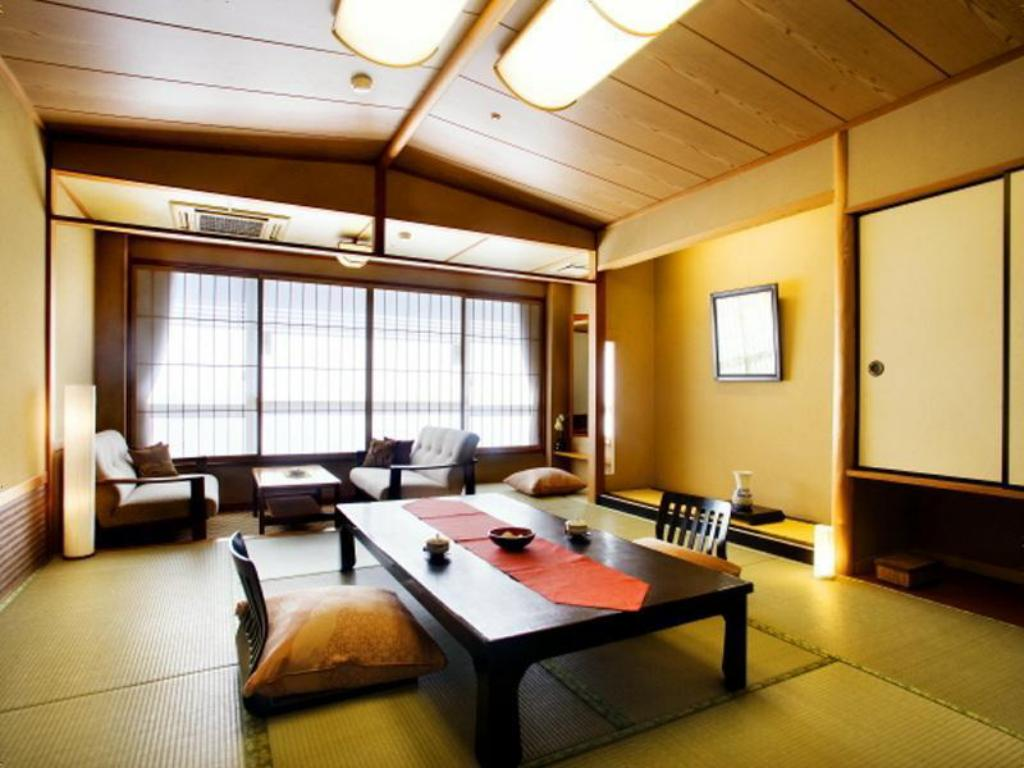Japanese-style Room (Main Building/South Wing) - ห้องพัก