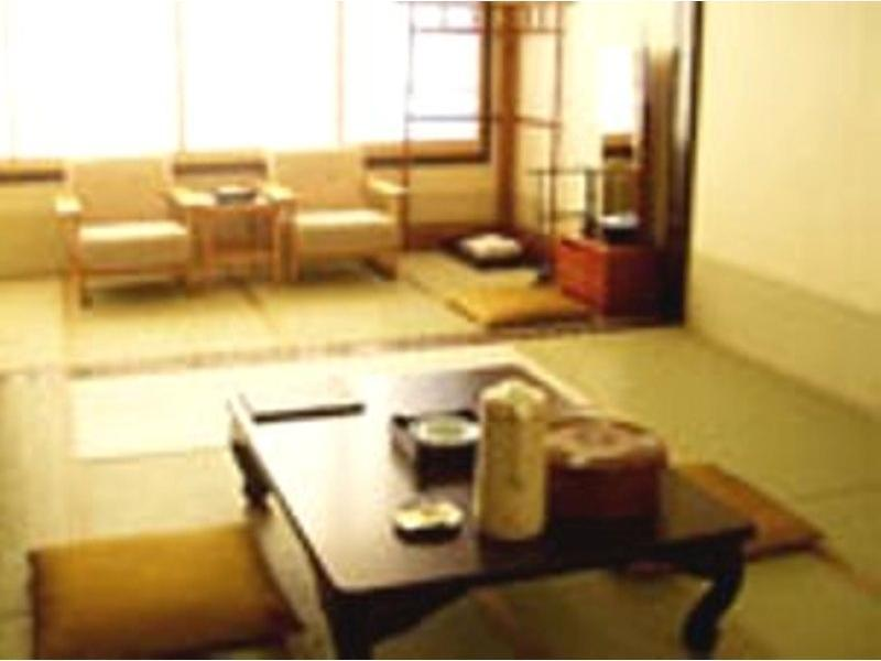本馆/西馆 和式房※有厕所 (Japanese-style Room (Main Building or West Wing) *Has toilet)