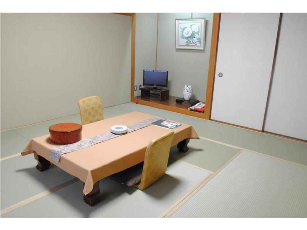 Japanese Style Room Main Building - Guestroom Nissho Besso