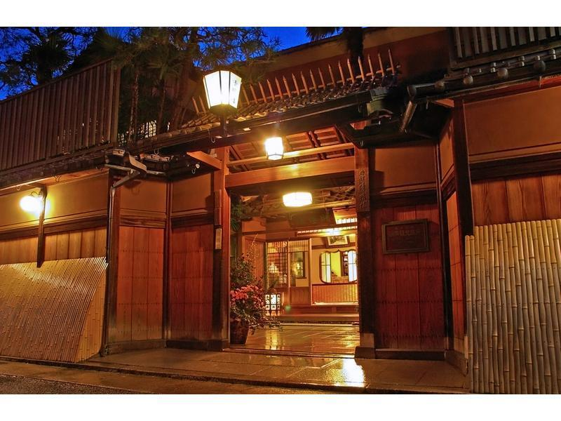 和室|8畳+踏込2畳 (Deluxe Japanese-style Room (Main Building))