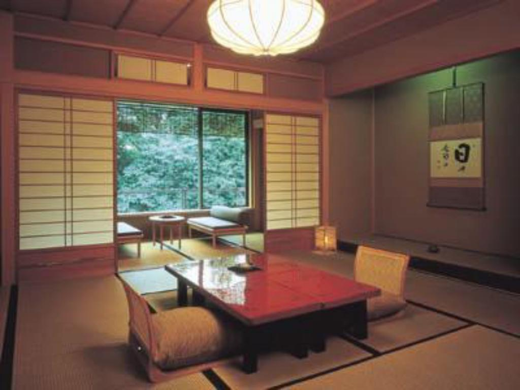 Standard Japanese-style Room with Umbrella Pine Wood Bath (12.5 tatami) - Guestroom