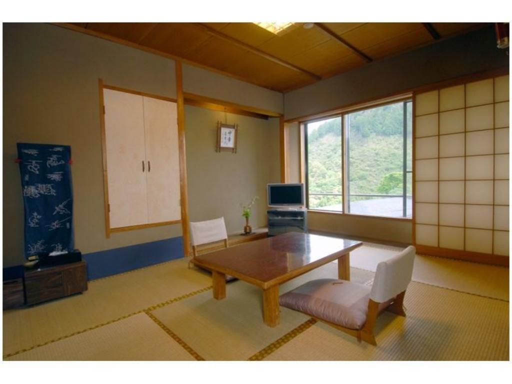 Japanese-style Room (6 tatami) *No bath in room - Guestroom