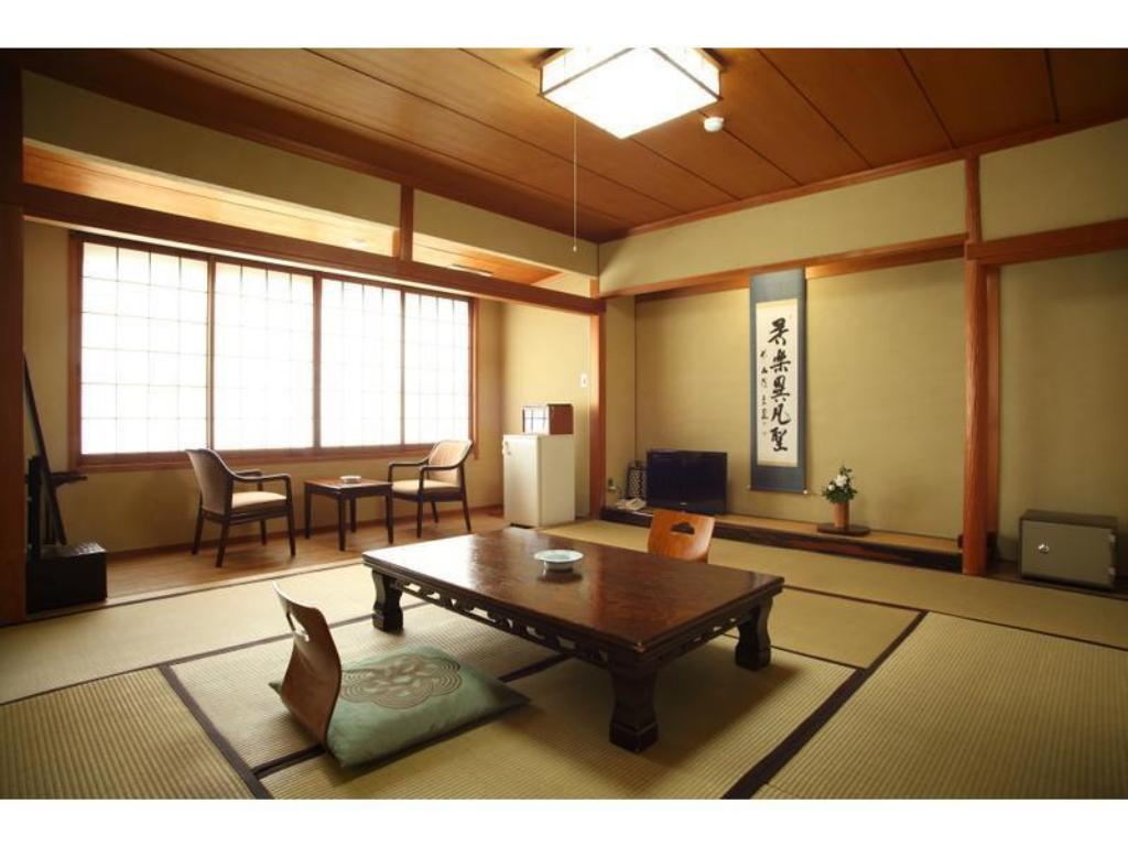 Japanese-style Room (Southeast Wing) - ห้องพัก