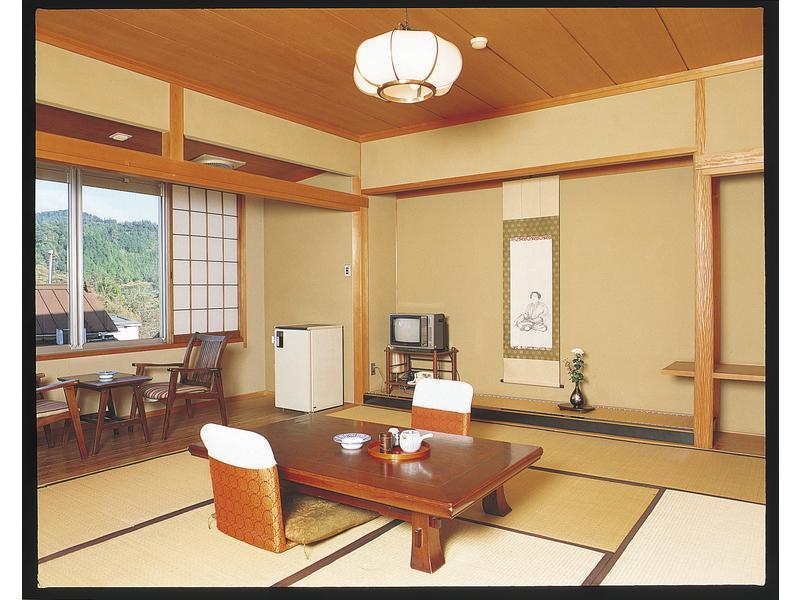和室|10畳+踏込1畳 (Japanese-style Room (Southeast Wing))