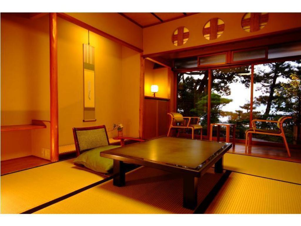 Japanese Style Room - Guestroom Shourotei