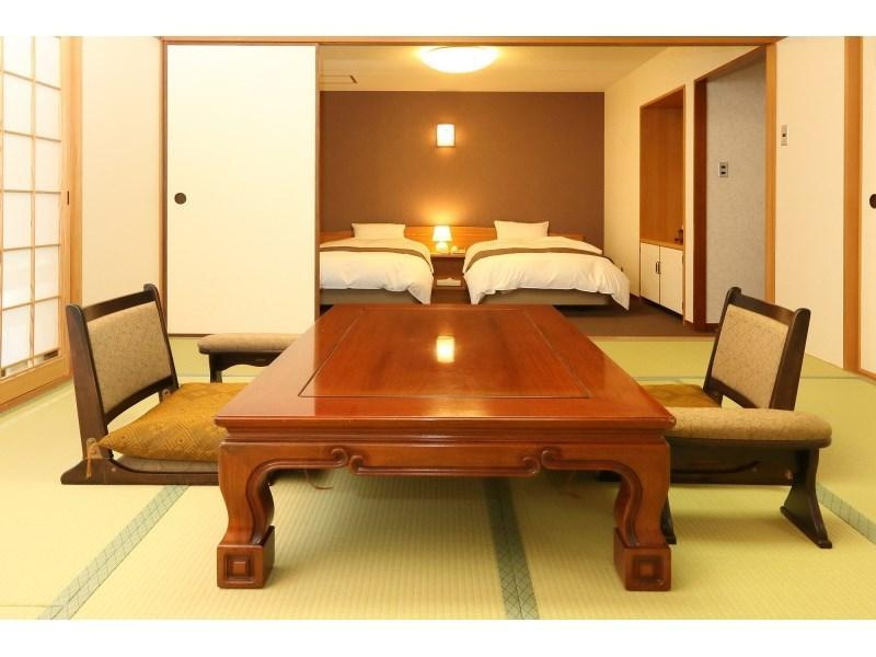 Japanese/Western-style Room (Twin Room + Japanese-style Room)