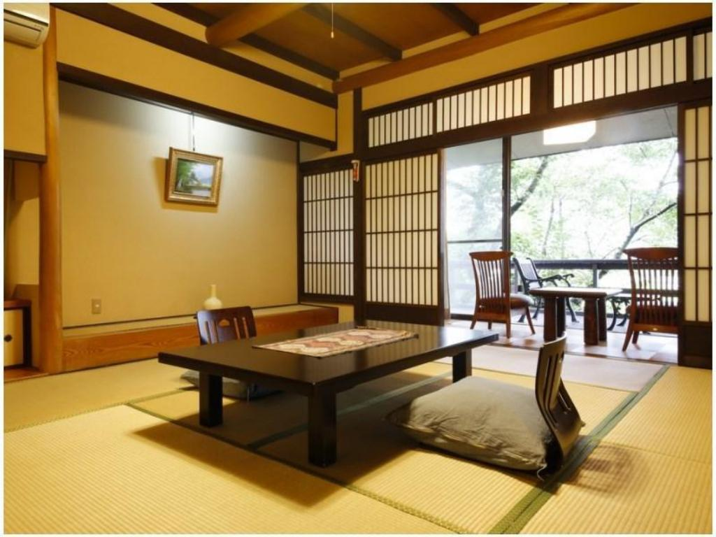 Japanese-style Room (Sato no Yakata Wing) - Guestroom