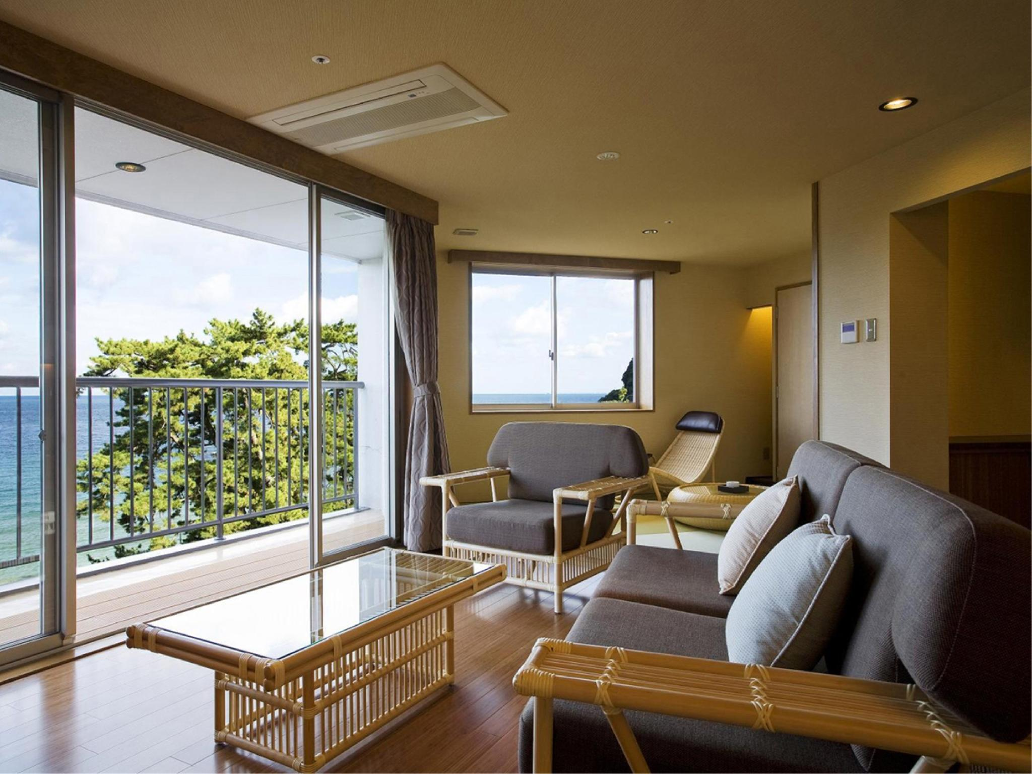 【和みフロア】展望檜風呂付特別室A (Special Room with Scenic View Cypress Bath (Type A, Nagomi Floor))