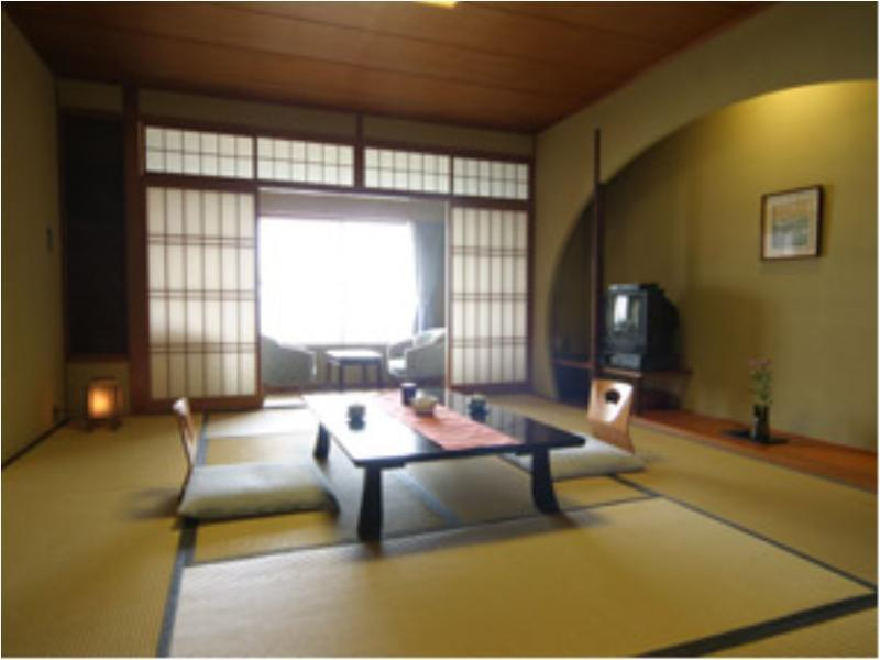 和室 (Japanese-style Room (Upper Floors/Yunagi Floor))