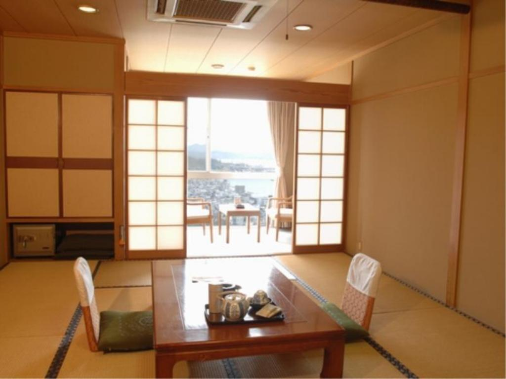 Japanese-style Room(10 tatami/East Side)*No bath in room - Guestroom Senkoji Sanso