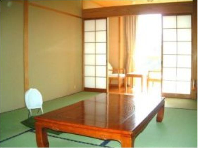 Japanese-style Room(10 tatami/West Side)*No bath in room