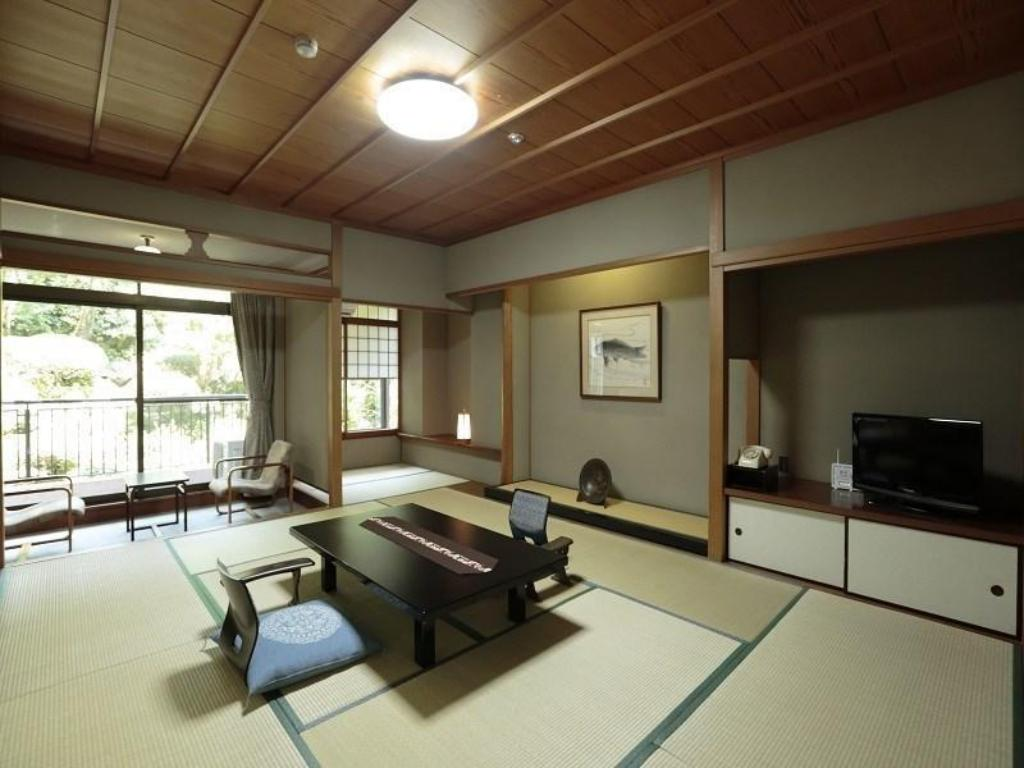 Japanese-style Room with Garden View Bath - Guestroom
