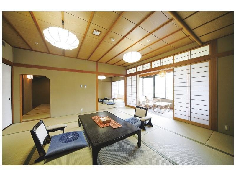 Japanese-style Room (Kita-no-Yakata Wing)