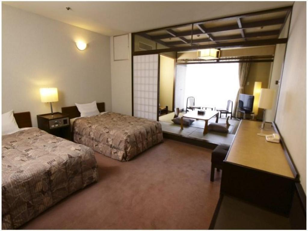 Japanese/Western-style Room with Semi-double Beds - ผังห้องพัก