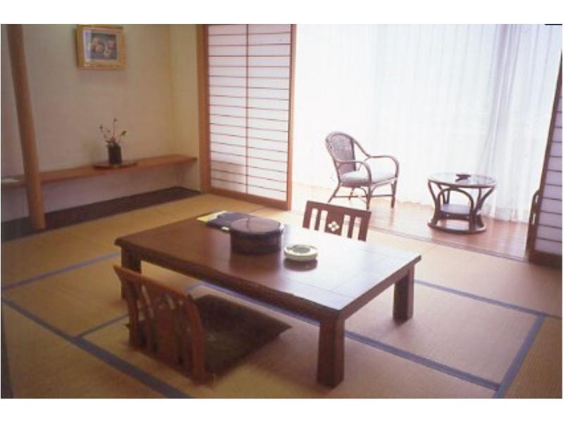 江景日式房 (River View Japanese Style Room)