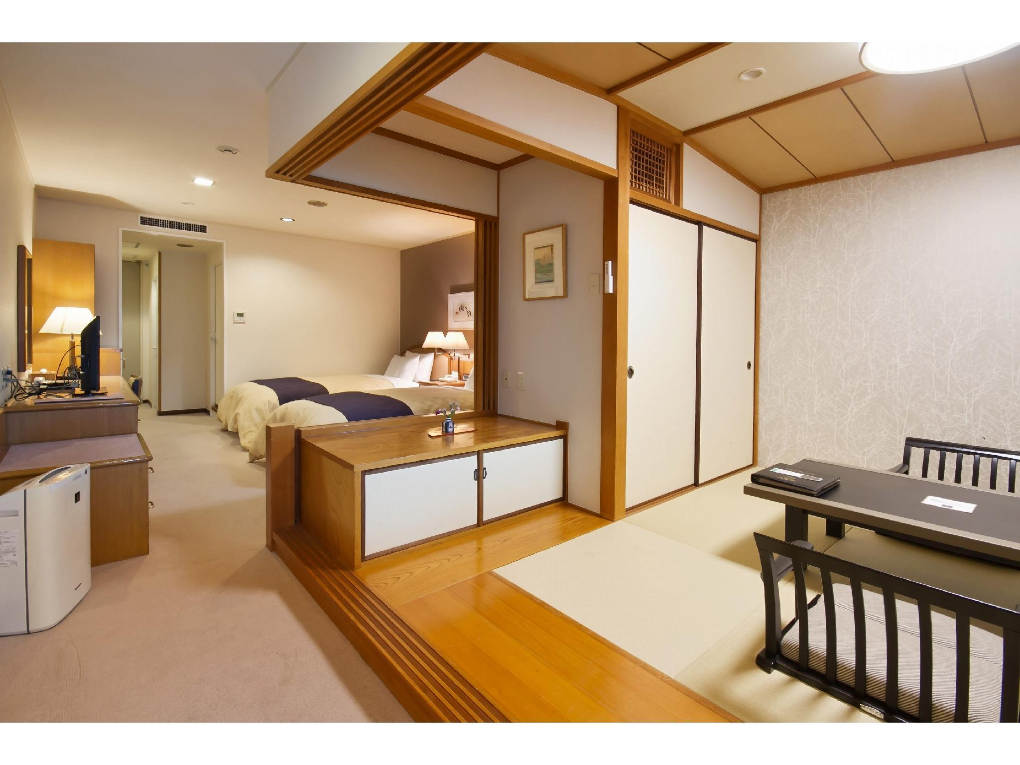南馆 和洋式房(2张床) (Japanese/Western-style Room (2 Beds, South Wing))