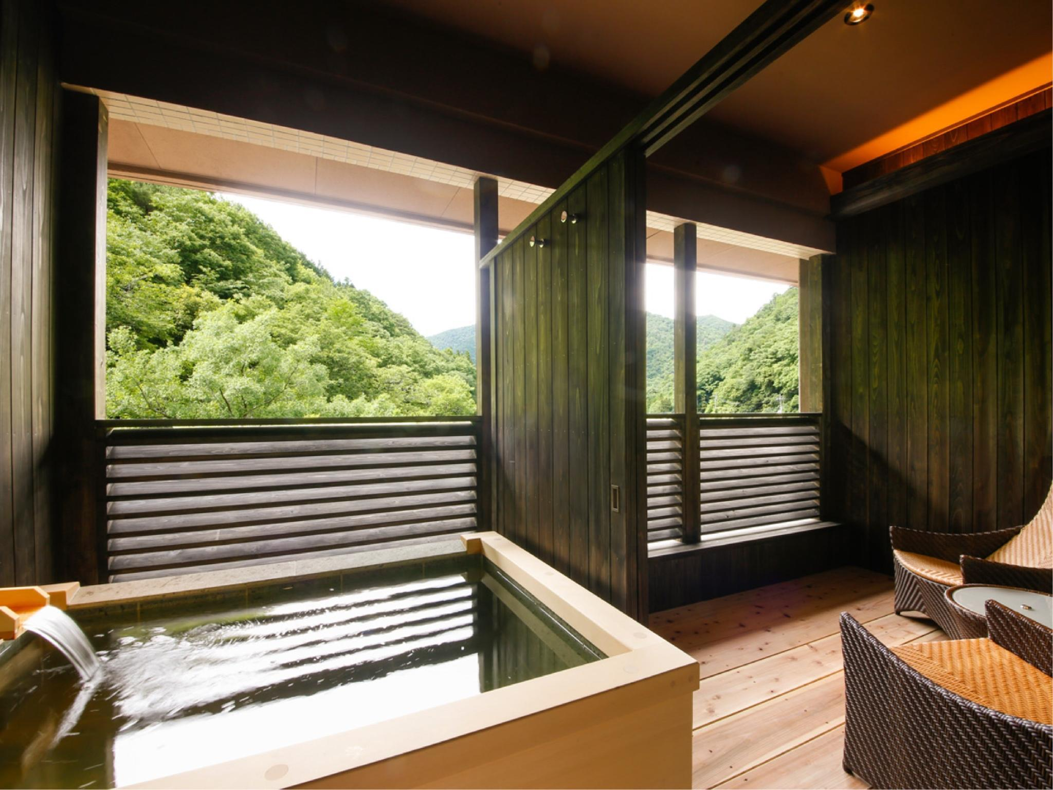 다다미 침대 객실 타입D(전용 노천탕) (Japanese/Western-style Room with Open-air Bath (Type D))