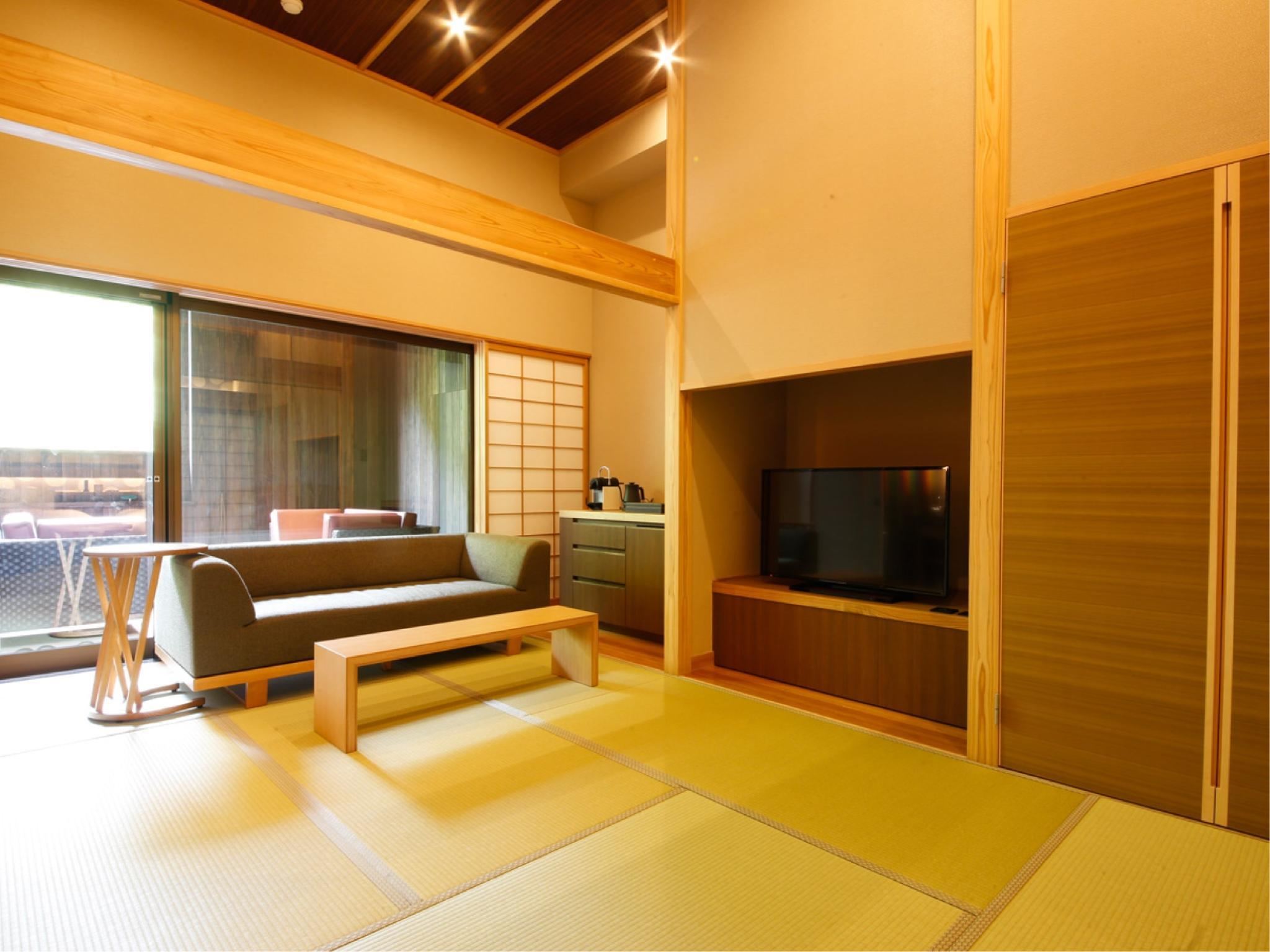 재패니즈 웨스턴 스타일 룸 E (노천탕) (Japanese Western Style Room Type E with Open-Air Spa Bath)
