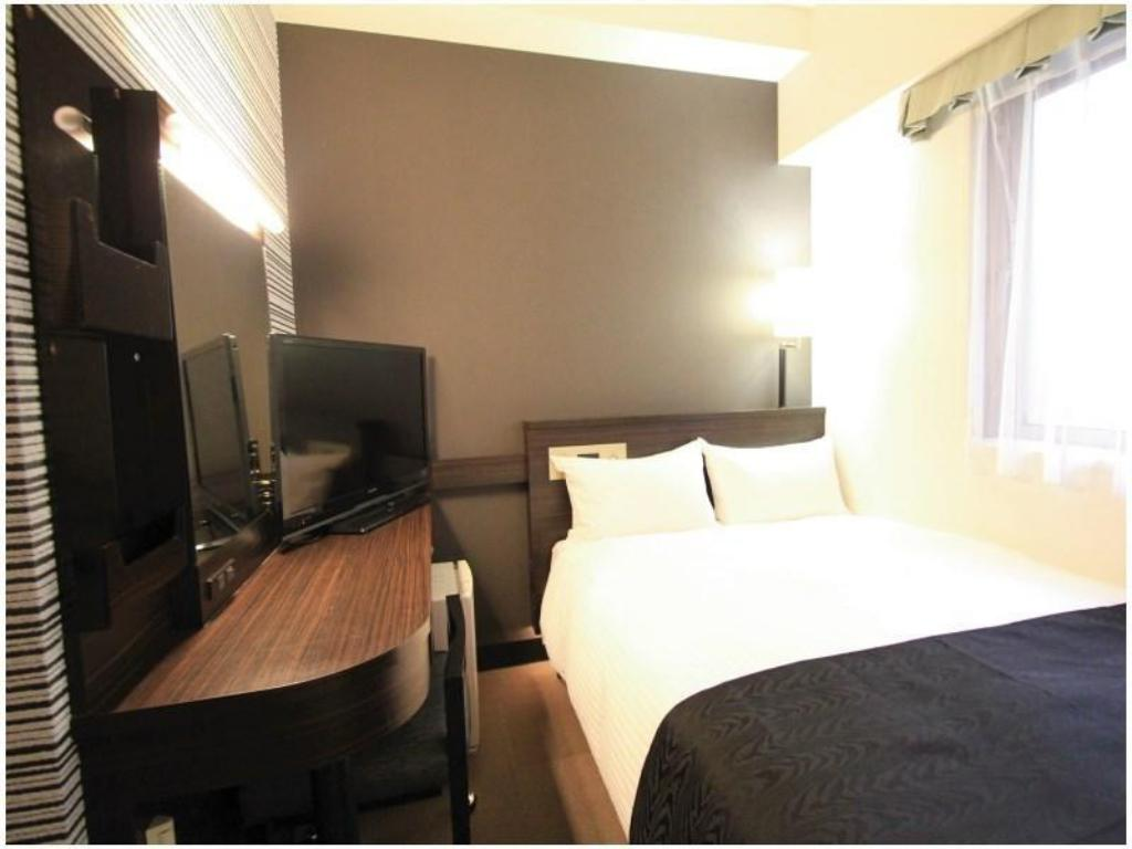 Semi-Double Room - Guestroom APA Hotel <Hakata-Ekimae>
