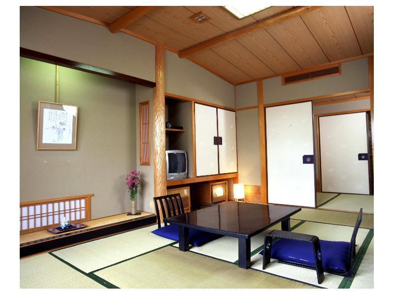 Japanese-style Room (Hot Spring Side)
