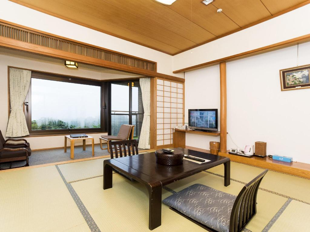 Japanese Style Room Main Building - Guestroom Hotel Greenpia Minamiaso