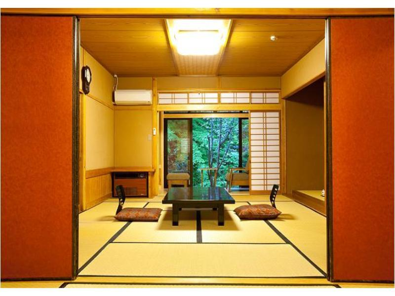 別館離れ一戸建(和室or和洋室)【テラス&開閉式露天付/渓流 (Detached Japanese-style or Japanese/Western-style Room with Openable Open-air Bath *Smoking allowed only on terrace)