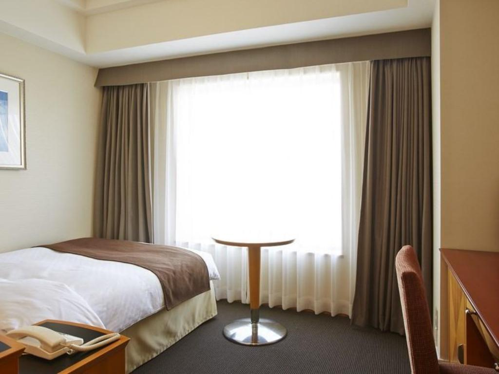 Single Standard Room - Guestroom JR Hotel Clement Takamatsu