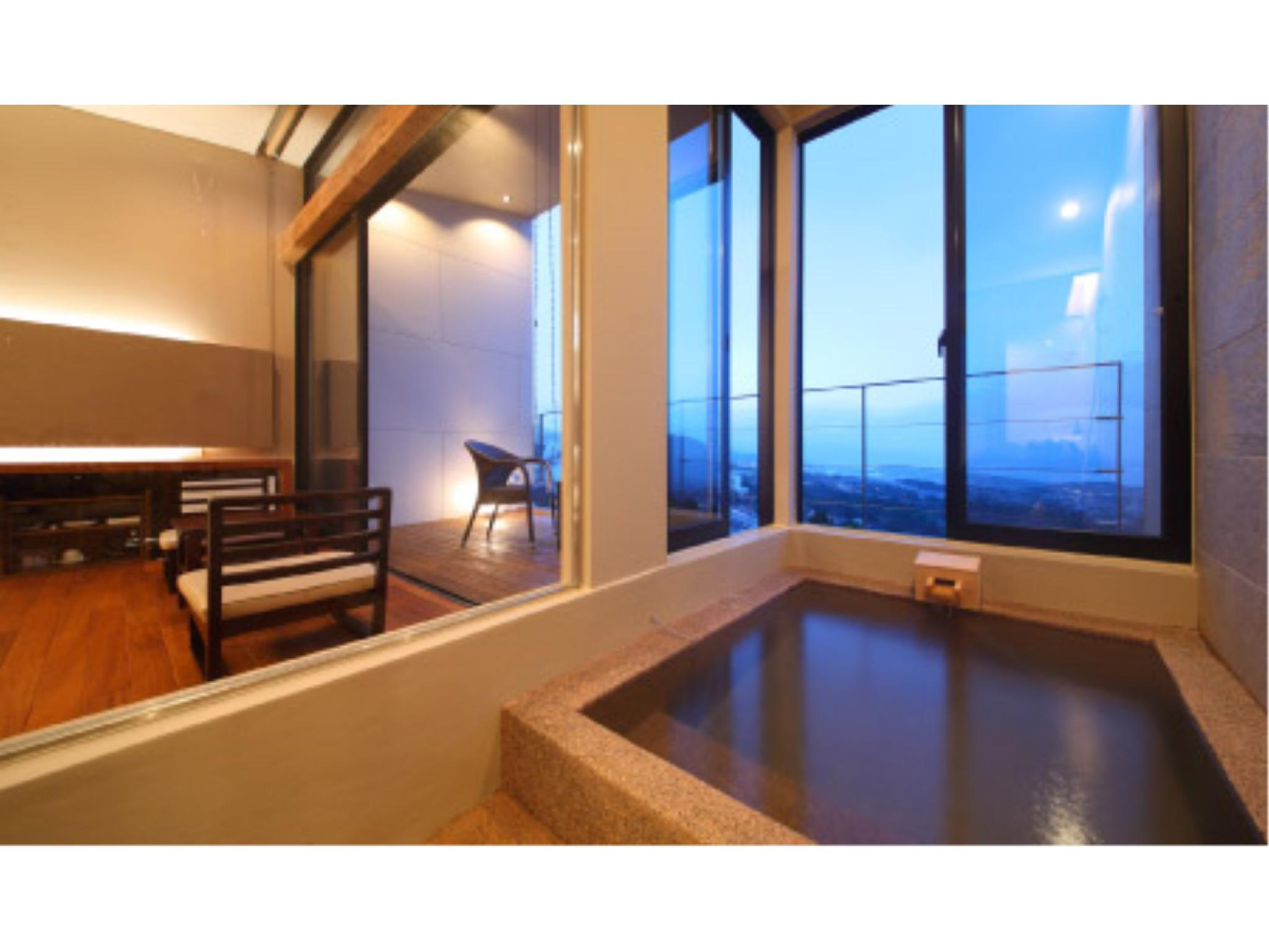 Japanese/Western-style Room (Japanese/Western-style Room with Semi Open-air Bath (2 Beds))