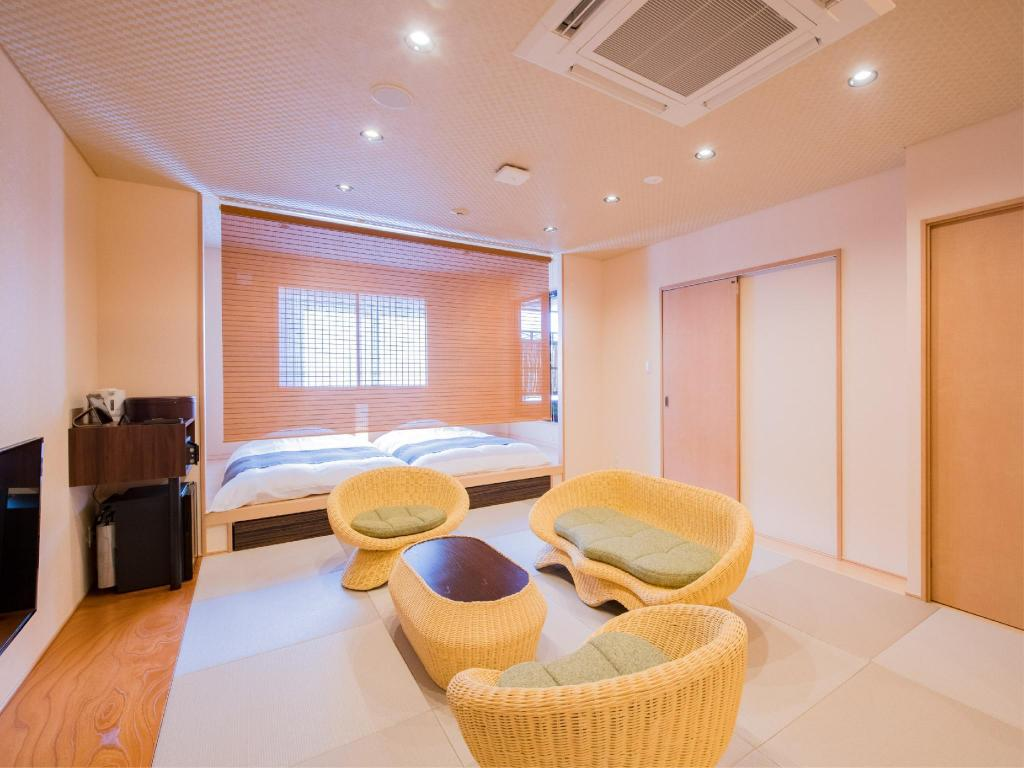 Japanese Room with Open-Air Hot Spring Bath - Guestroom Dogo Onsen Yachiyo